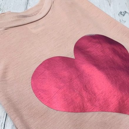 Blush-Pink-Flowy-T-Shirt-with-Metallic-Pink-Heart-Marlow-Buckinghamshire-United-Kingdom-Toria-Lee-Accessories