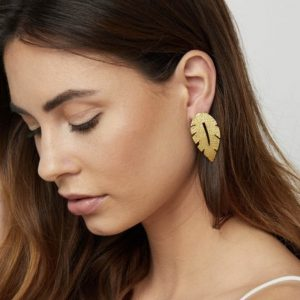 Gold-Laurel-Leaf-Earrings-Marlow-Buckinghamshire-United-Kingdom-Toria-Lee-Accessories