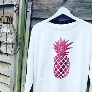 White-Loose-Fit-Sweatshirt-with-Metallic-Pink-Pineapple-Design-Marlow-Buckinghamshire-United-Kingdom-Toria-Lee-Accessories