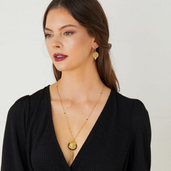 Lily-Gold-Tassel-Long-Chain-Necklace-In-Black-Onyx-Marlow-Buckinghamshire-United-Kingdom-Toria-Lee-Accessories