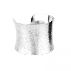 Plain-Silver-Cuff-Bracelet-Marlow-Buckinghamshire-United-Kingdom-Toria-Lee-Accessories